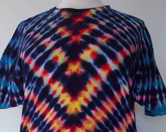 2XL V-Striped Ice-Dyed Tie Dyed Tshirt
