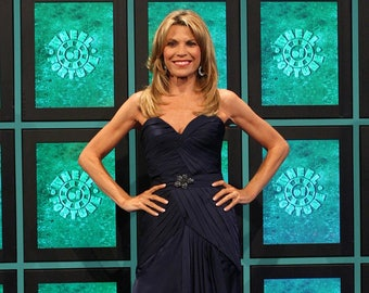 a66f31b4ae4 Vanna White Authentic AUTOGRAPHED 3x5 Index Card (Wheel of Fortune)