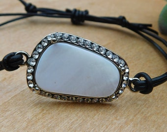 Mother of pearl adjustable leather bracelet