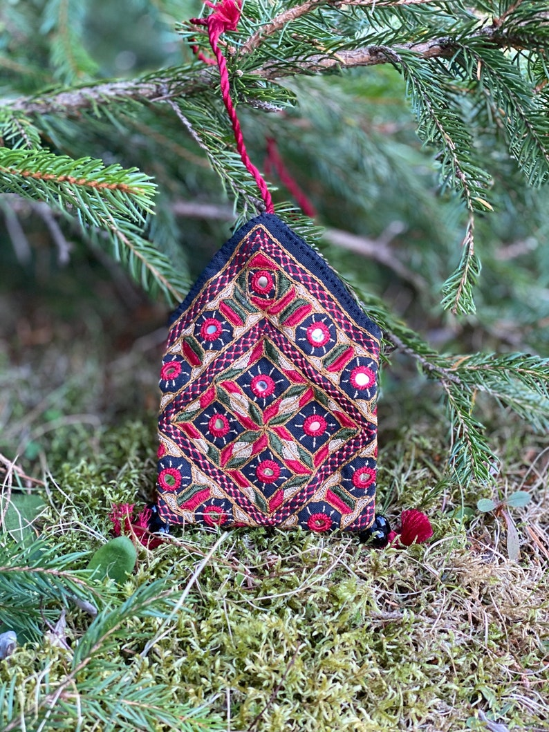 Small Hand Embroidered Rabari Coin Purse Card Holder Jewelry Container Ethnic Boho Mirror Embroidery Kutch
