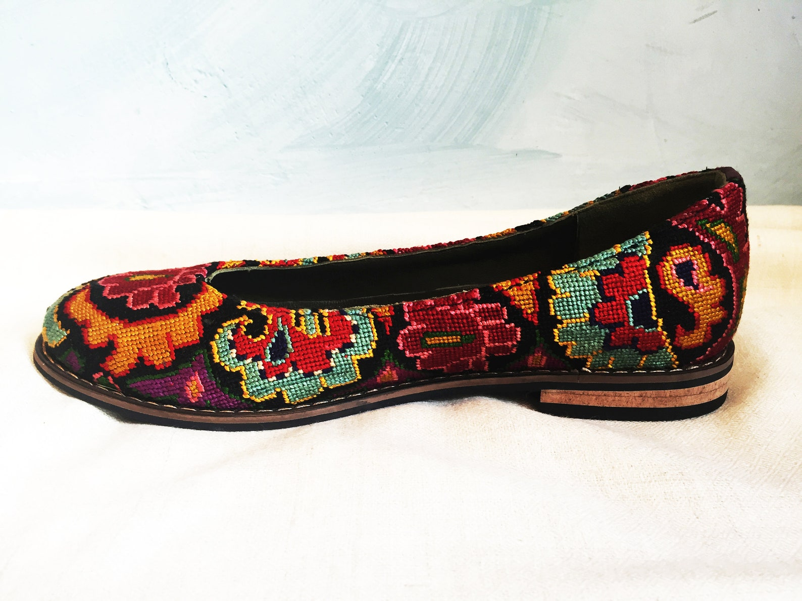 embroidered ballet flats- size 38 (us 7.5) silk petit point uzbekistan boho festival rounded toe slip on needlepoint paisley flo