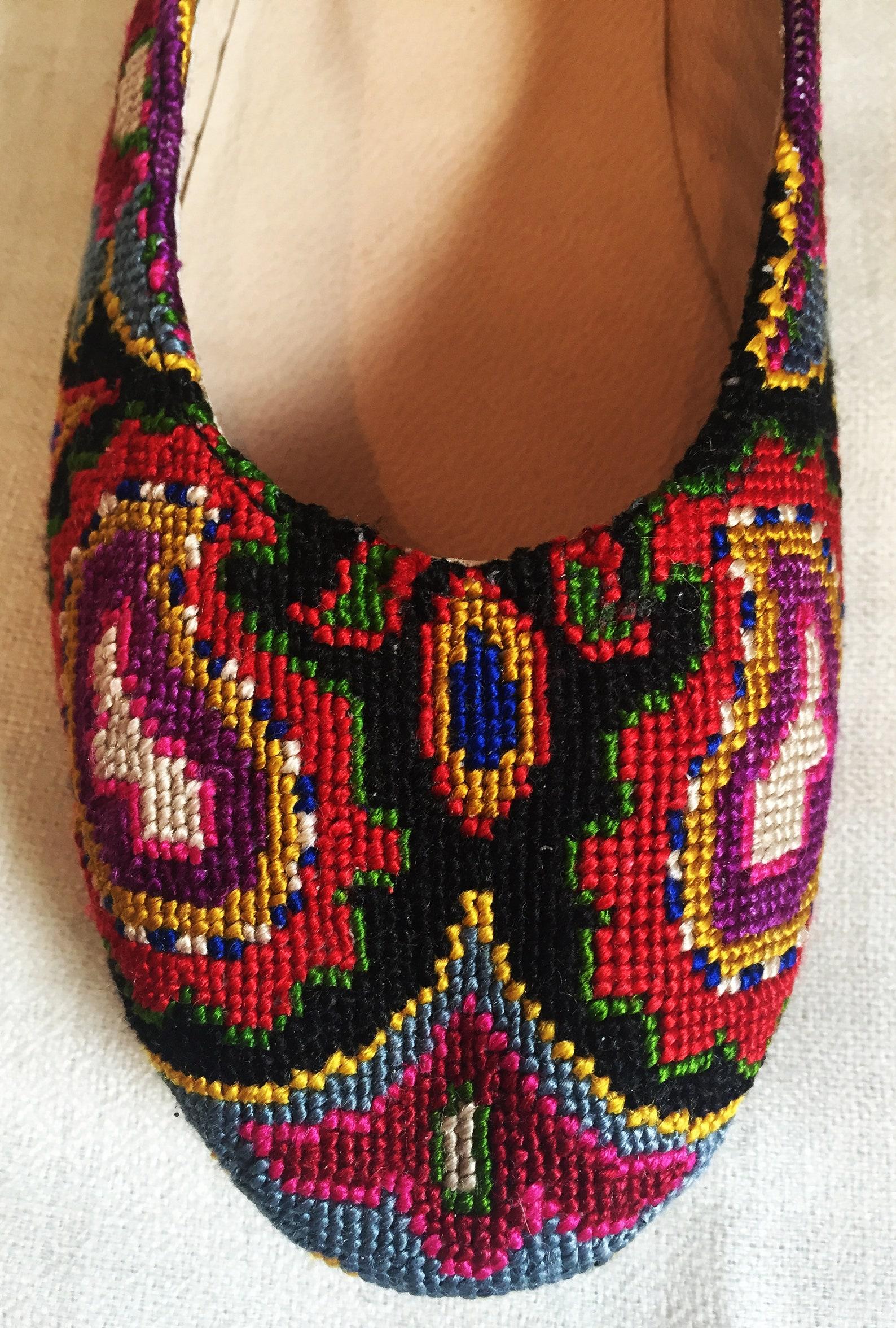 embroidered ballet flats- size 38 (us 7.5) silk petit point uzbekistan boho festival rounded toe slip on needlepoint paisley flo