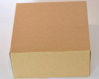 Box in kraft cardstock