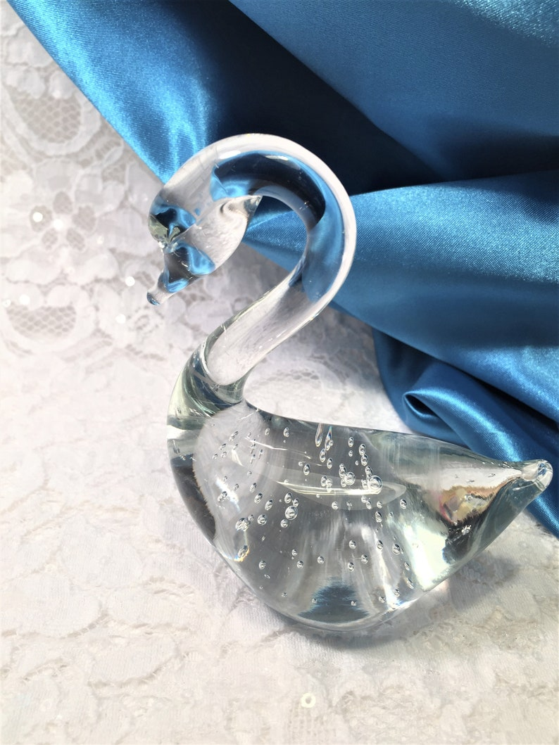 Clear Art Glass Swan Figurine with Controlled Bubbles Sweet Gift for a Friend. Graceful Swan