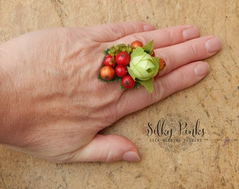 Silk Floral Corsage Ring, Floral Ring, Wedding Accessory, Artificial Flower Ring, Red & Green Statement Ring, Wedding Guest Accessory