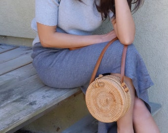Round rattan bag with bow, boho style, gypsy bag, circle rattan bag, bamboo bag, hippy bag, bridesmaids gifts, cross body bag, messenger bag