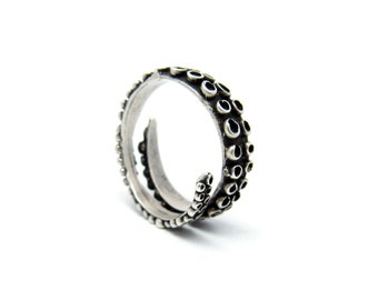 Octopus ring, tentacle ring, adjustable ring , biker jewelry, unique engagement ring, cthulhu ring, oxidized silver ring, hp lovecraft