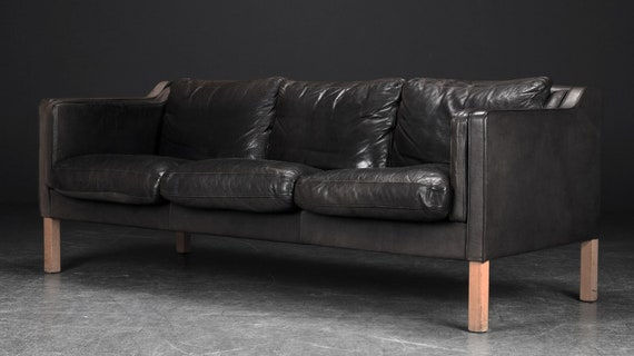 Sensational Lovely Faded Black Coloured 3 Seater Leather Sofa Mid Century Denmark Gamerscity Chair Design For Home Gamerscityorg