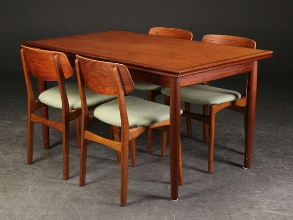 Mesa de comedor vintage y 4 sillas a juego hechas de madera de teca,  mediados de siglo, Dinamarca