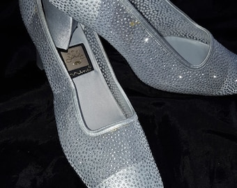 """RETRO Nina  Shoes  Size 8m  Silver Glitter Dots 3"""" Heel Pumps Bridal Bridesmaids Prom Evening Fun  or Mother of the Bride"""