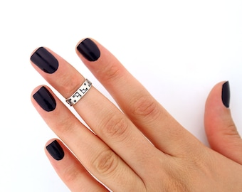sterling silver knuckle ring Aztec design above knuckle ring adjustable midi ring also toe ring (T-09)