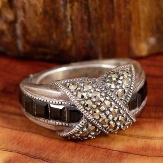 Vintage Rings / Multistone Rings / Black Onyx Ring