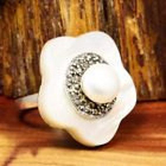 Vintage Rings / Pearl Rings / Mother of Pearl Ring