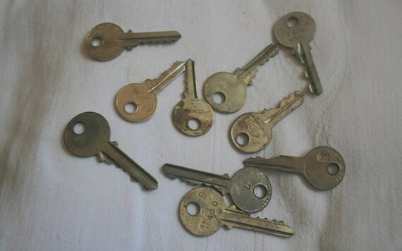 Old Brass Keys, Scrapbook Supplies, Pendant Making Supplies, Crafting Items