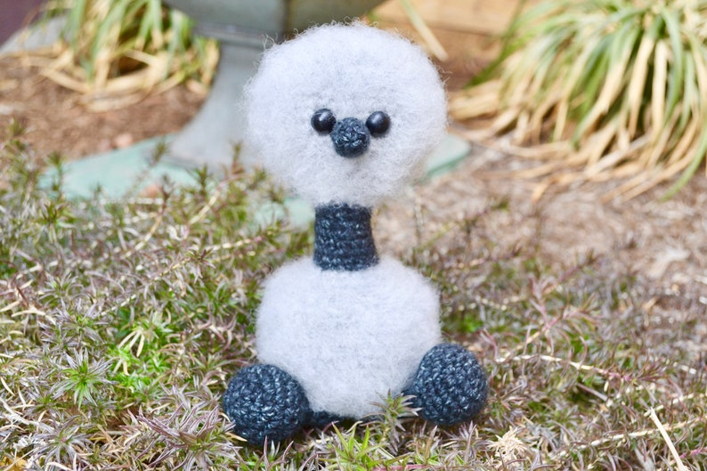 Emu CROCHET PATTERN. Emmet The Emu. Crochet Bird Pattern. image 0