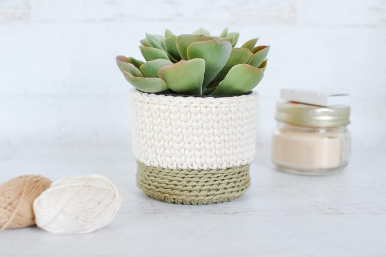 Basket CROCHET PATTERN. Crochet Desktop Basket Pattern. image 0