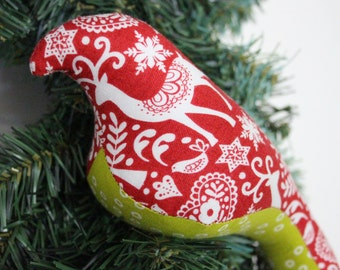Bird Christmas Ornaments, stocking stuffers, Christmas gifts. Magnetized birds that sit on clips on the branches in your tree.