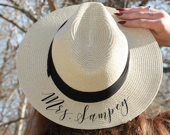 e079b8152ee Hat with brim