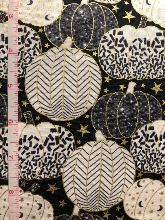 Spider Web In Gold ... Midnight Spell Cotton Fabric  Fat Quarter Henry Glass