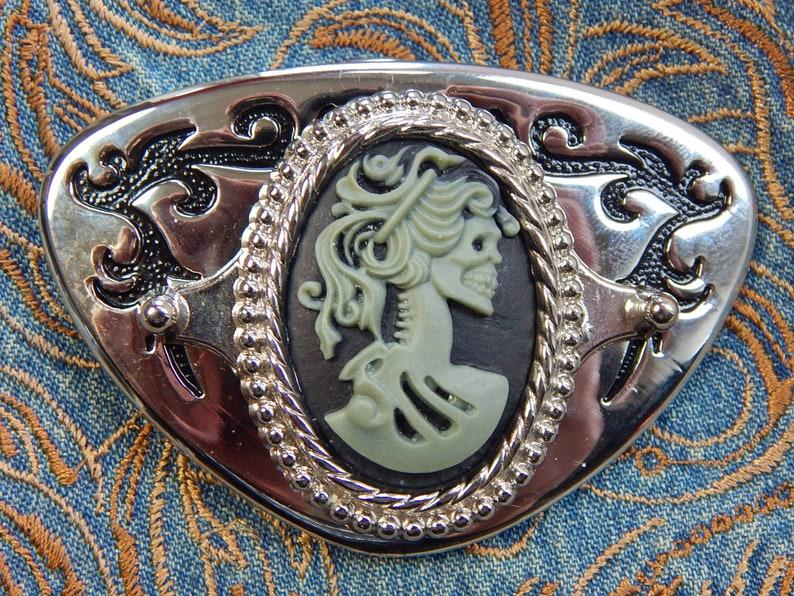 Western goth Cow-boy New Handcrafted belt buckle silver//black metal Wolf Head