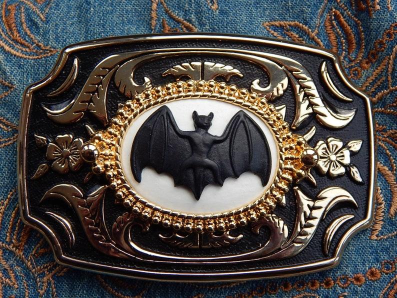 NEW  HANDCRAFTED BELT BUCKLE VAMPIRE BAT SILVER METAL,GOTH,WESTERN COWBOY