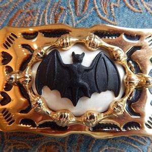 Handcrafted in the UK Vampire Bat Belt Buckle Gold Coloured Metal  Halloween Ladies Mens Western Dracula