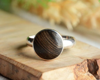 Elegant wood ring with sterling silver, dark wood ring, adjustable size, jewelry in wooden gift box