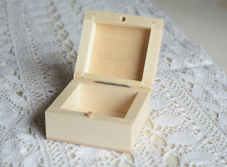 Small wooden box, natural unfinished wood box, plain hinged wooden box,  small jewelry box, DIY blank wooden box, little wood box