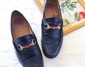 3210c4f65843 Vintage Gucci horsebit black leather loafers