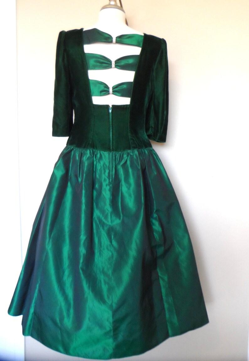 d0476a99e3d88 Vintage 1960s Emerald Green Velvet & Taffeta Dress | Etsy