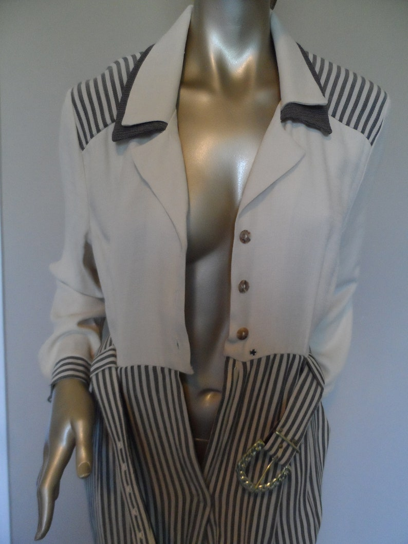 Vintage 1980/'s Jumpsuit* Size 14 Elegant /& Classy .Long Sleeve Romper.Belted.Cream and Gray.SHERI MARTIN New York Petites .Office or Party