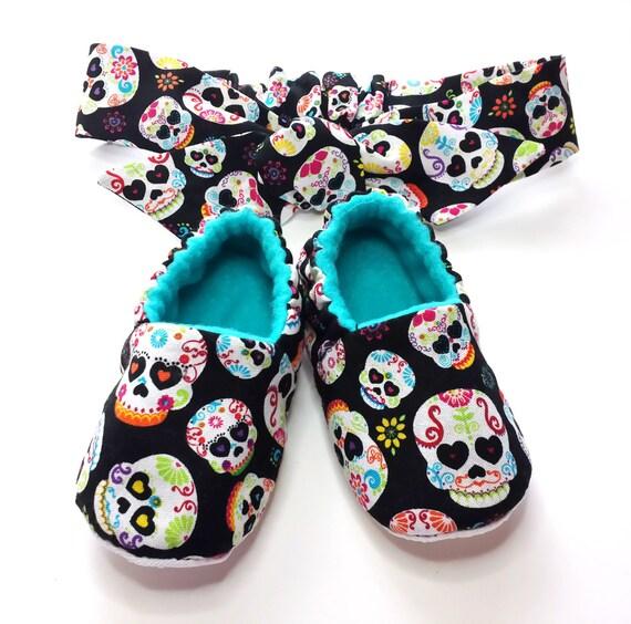 Zucker Schädel Babyschuhe, weiche Sohle Schuh, Tag der Toten, Babyschuhe, Kleinkind Pantoffel, passende Stirnband