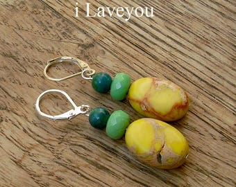 Earrings yellow and green natural gemstones.