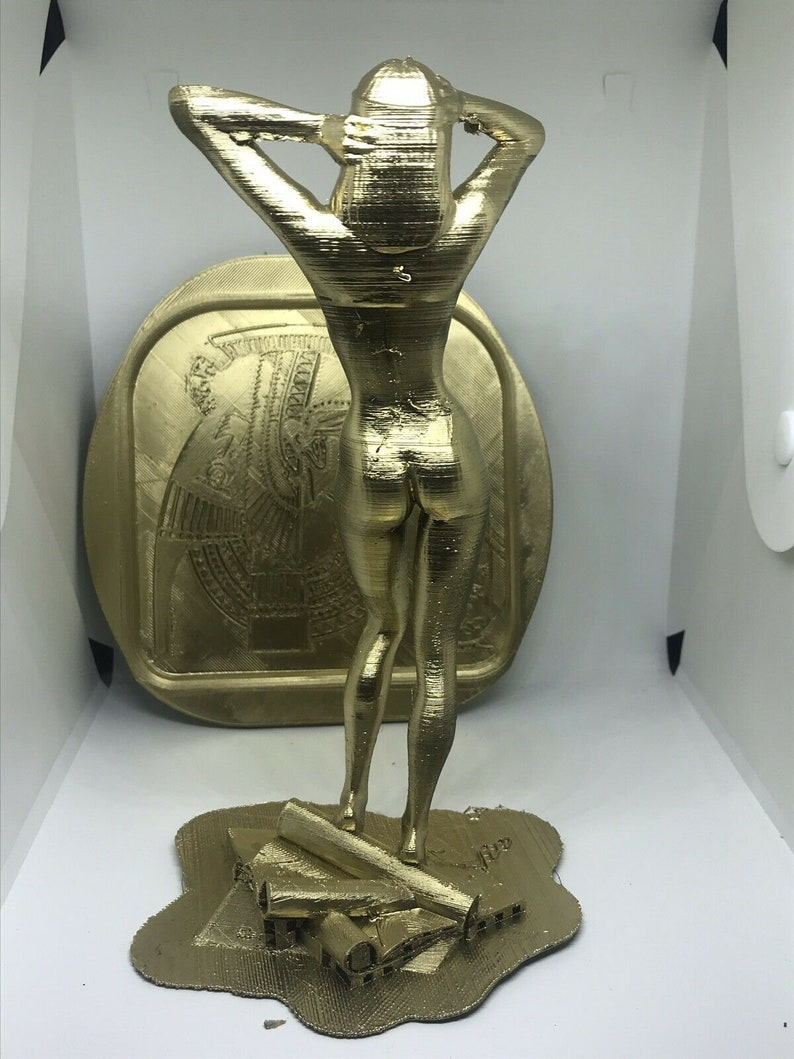 Cleopatra Of Egypt Nude Statue With Wall Crest Decoration