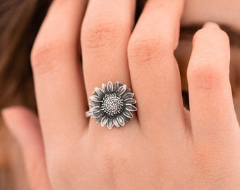 Sterling Silver Sunflower Ring, Flower Ring, Boho Ring, Hippie Ring, Floral Ring, Gypsy Ring, Ring for Women, Flower Jewelry
