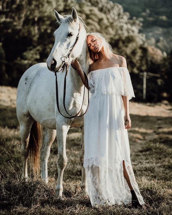 Chantilly Lace Gypsy Sleeve Boho Bridal dress, Bohemian beach wedding dress