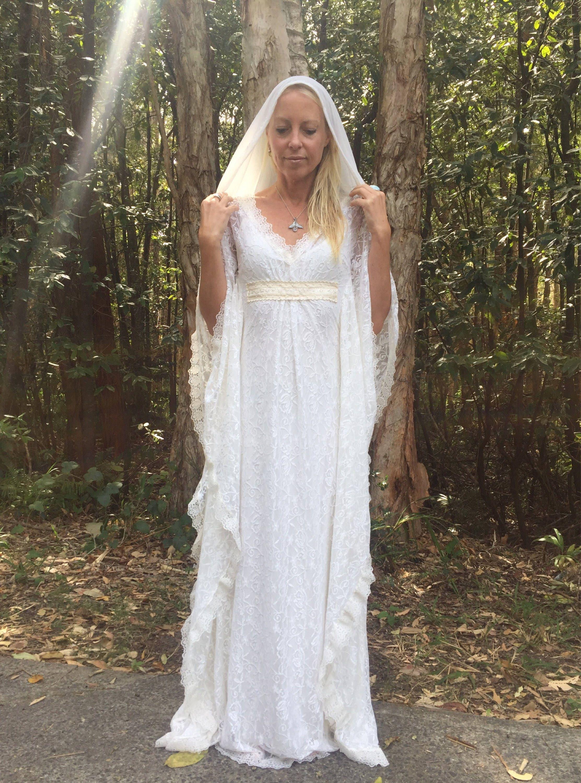 Engel Kapuze Schleier Spitze böhmische Perlen Braut Kaftan