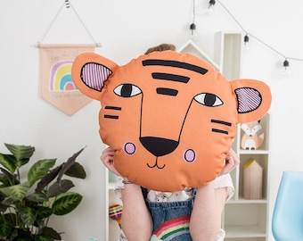 Tiger Nursery Cushion, Jungle Bedroom Decor, Gender Neutral Nursery Decor, Round Throw Pillow, Animal Cushion, New baby Gift
