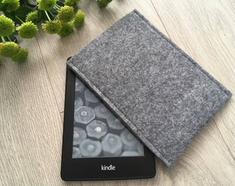 Kindle Keyboard sleeve, Handmade gray cover, Blue Flower accent, Wool ereader case, Kindle Cover, Kindle Etui, Good quality