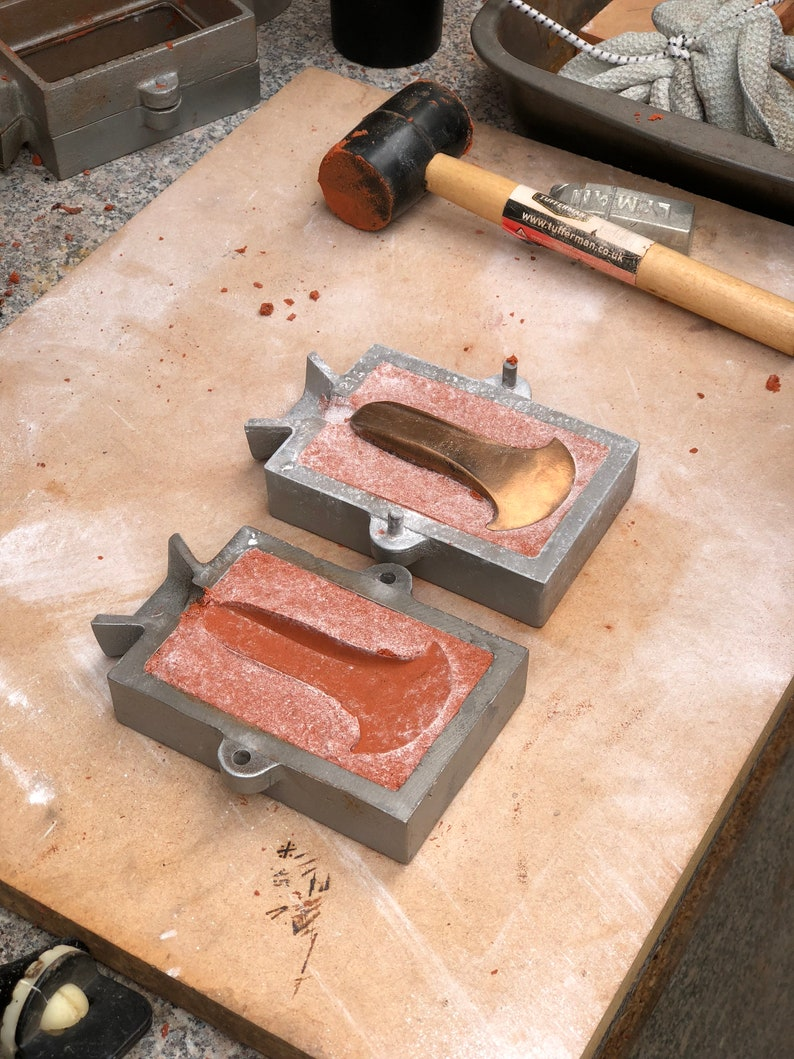 Bronze casting WORKSHOPS  learn how to work with molten image 0