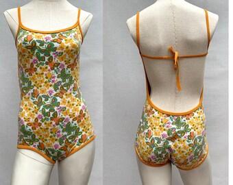 7e97aab5df Vintage des années 1960 Maillot de bain one piece // maillot de bain  imprimé papillon // Maillot de bain Mod // bikini 60s // taille petite