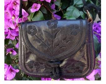 MOROCCAN etnic leather purse // Bohemian bag