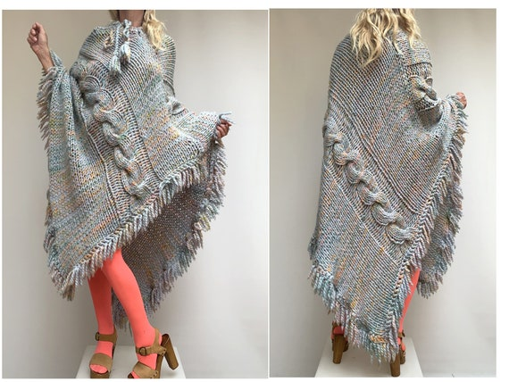 vintage 80s hand knitted crochet cable knit Wool P