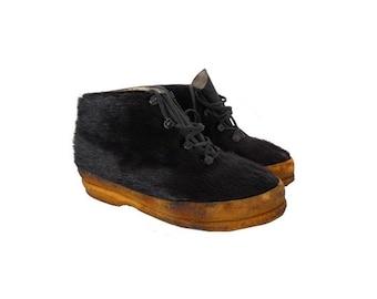 vintage 60s f APRES ski shoes // laced up  black fur ankle  boots // outerwear // fur snow boots //size Women eu 37- uk 4- us 5.5
