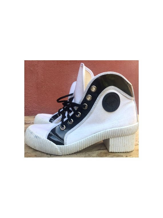 Vintage 80s SNEAKERS / white canvas
