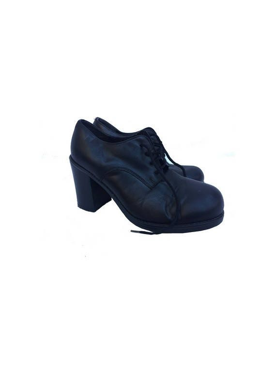 vintage 90s chunky heel SHOES // black leather Ank