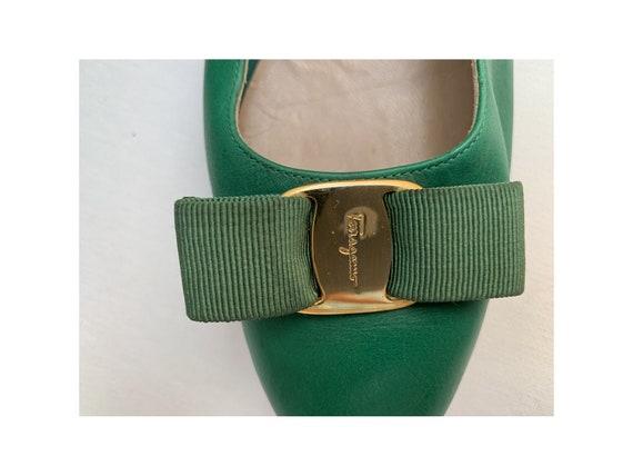 vintage 80s  FERRAGAMO italian PUMPS // green lea… - image 7