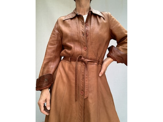 70s brown leather COAT/ belted leather trench coa… - image 8