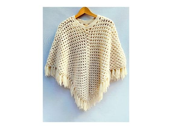 70s vintage beige wool Triangle  PONCHO // fringed