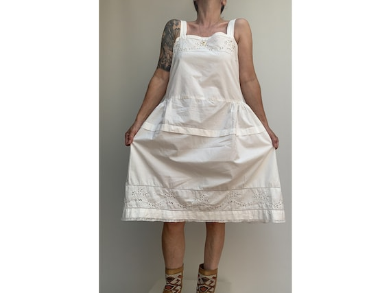 antique white cotton open eyelet embroidered DRES… - image 5